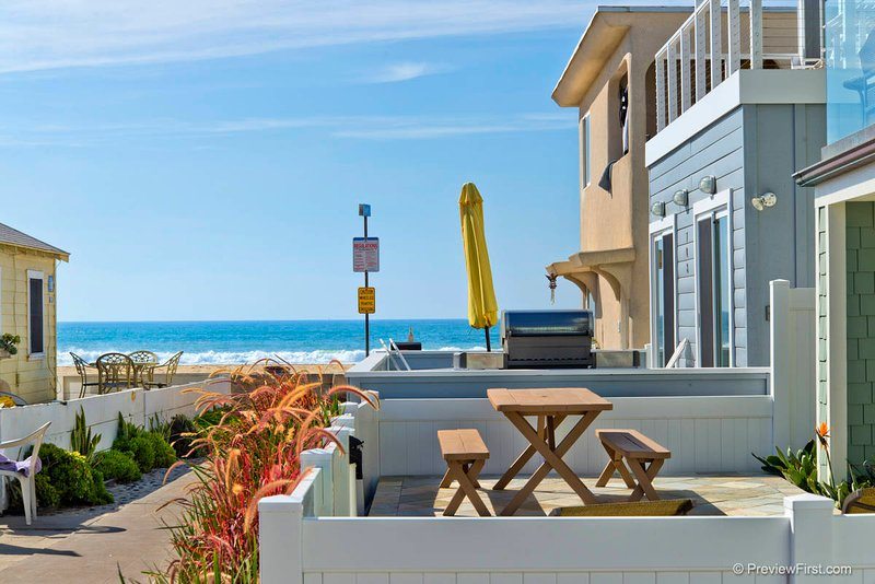 #712 - Brand-new luxurious home with fantastic 360 degrees roof deck - Image 1 - Mission Beach - rentals
