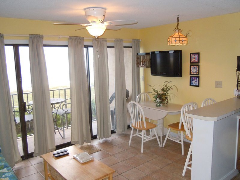 OCEANFRONT LIVING - Cabana 208- Oceanfront, W/pool & Elevator - Carolina Beach - rentals
