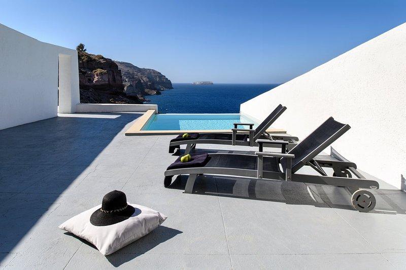 Blue Villas |Infinity Cave | Private suites - Image 1 - Akrotiri - rentals