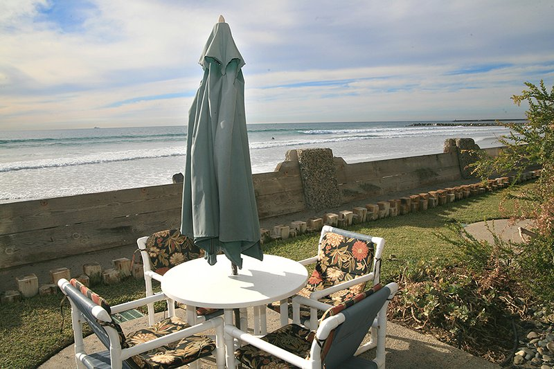 D17 - Beach Retreat - Image 1 - Oceanside - rentals