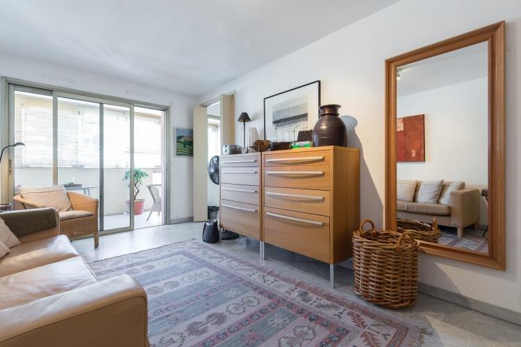 Mercure Studio Apartment, Walking Distance to Palais des Festivals and the Croisette - Image 1 - Cannes - rentals