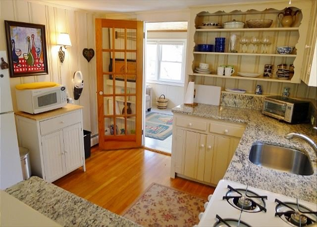 ENCHANTING ORLEANS COTTAGE LESS THAN A MILE FROM ROCK HARBOR! - Image 1 - Orleans - rentals