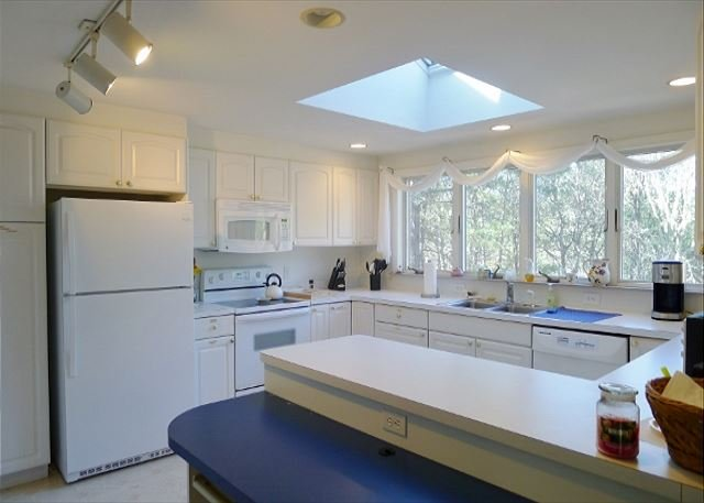 3 BEDROOM, 3 BATH HOME IS LOCATED NEAR MULTIPLE EASTHAM BEACHES! - Image 1 - Eastham - rentals