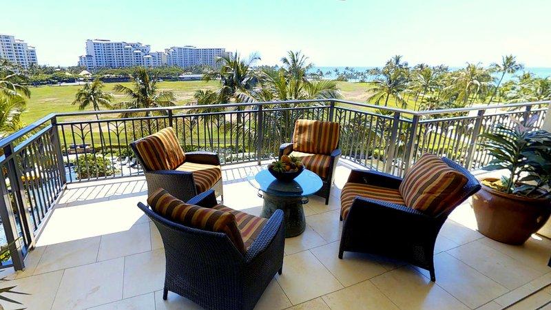 Large Lanai Overlooking the Pool - Beach Villas BT-505 - Kapolei - rentals