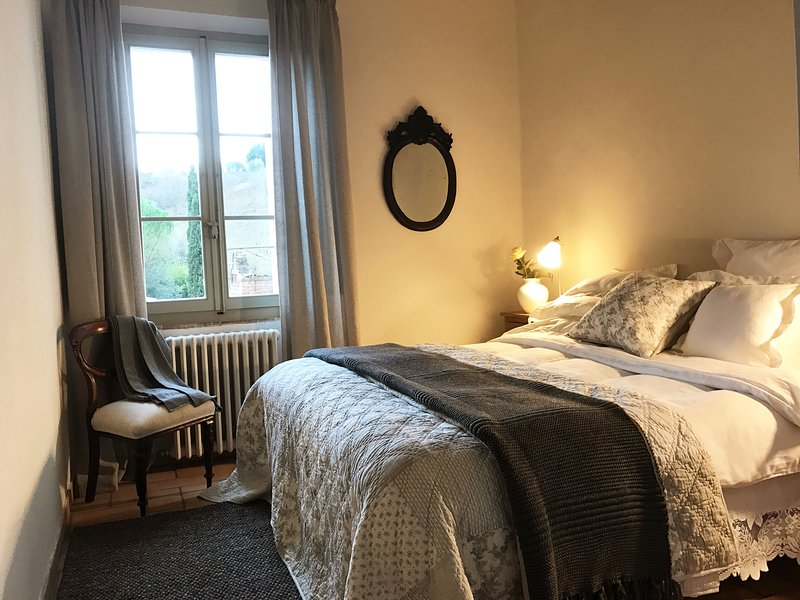 The bedroom - Suite Le Camelie - Siena - rentals