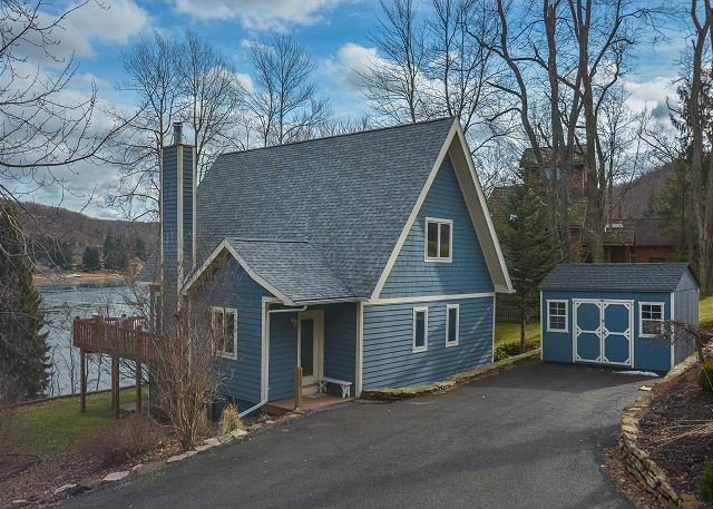 Exterior - Centrally located lakefront chalet! - McHenry - rentals