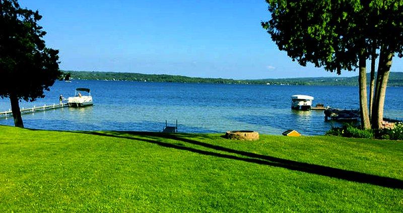 Lush backyard - Memo's Treasure on Lake Leelanau - Cedar - rentals