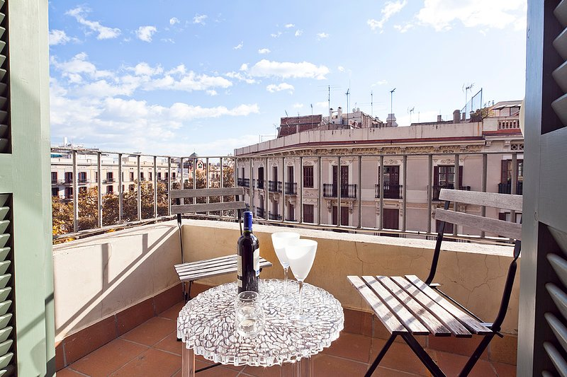 Classic Spanish apartment in the golden neighborhood - B347 - Image 1 - Barcelona - rentals