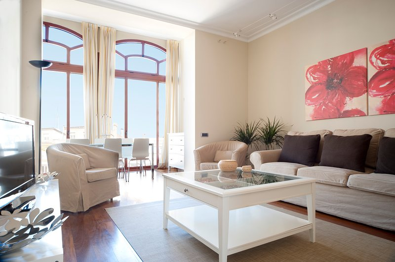 B338 Gorgeous Apartment in Barcelona - Image 1 - Barcelona - rentals