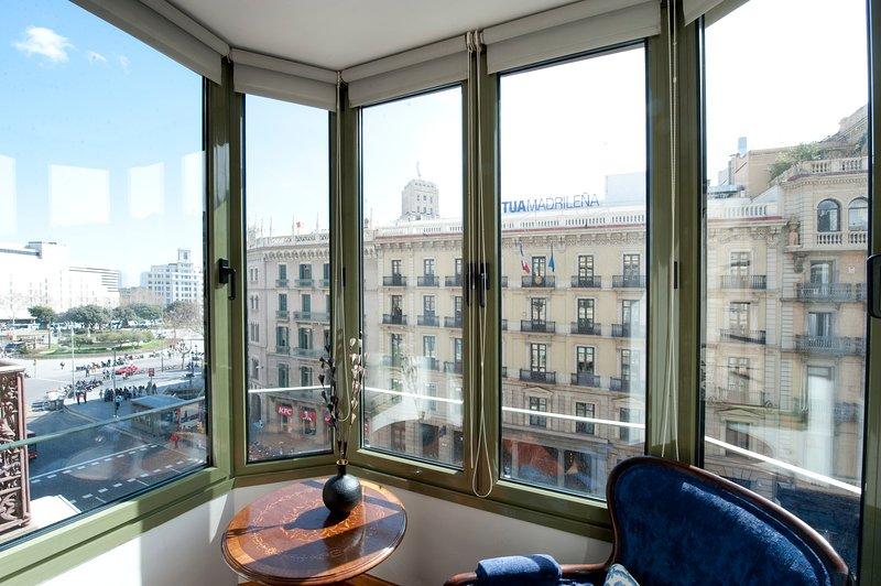 B357 Luxury Plaza Catalunya Views 2 - Image 1 - Barcelona - rentals