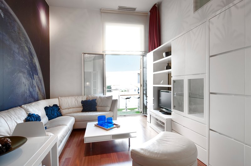 Beautiful  modern duplex in Barcelona apartment in the Plaza Catalunya - B330 - Image 1 - Barcelona - rentals