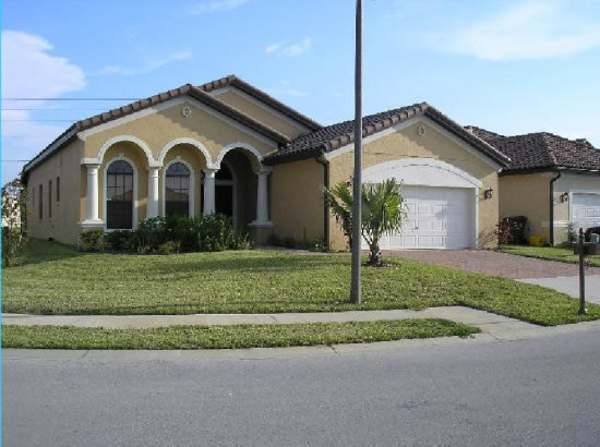 Lovely 4 Bedroom 3 Bath Pool Home in Villa Sorrento. 403VSC - Image 1 - Haines City - rentals