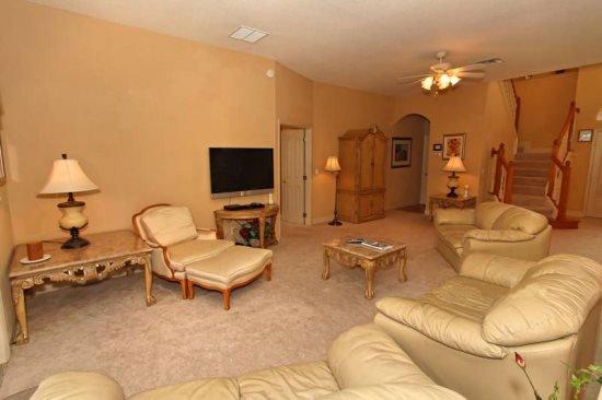 Stunning 5 Bedroom 5 Bath Pool Home in Vista Park. 254VVD - Image 1 - Davenport - rentals