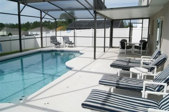 Spacious 4 Bedroom Home with Large Fenced In Private Pool. Sleeps 11. 619MS - Image 1 - Davenport - rentals