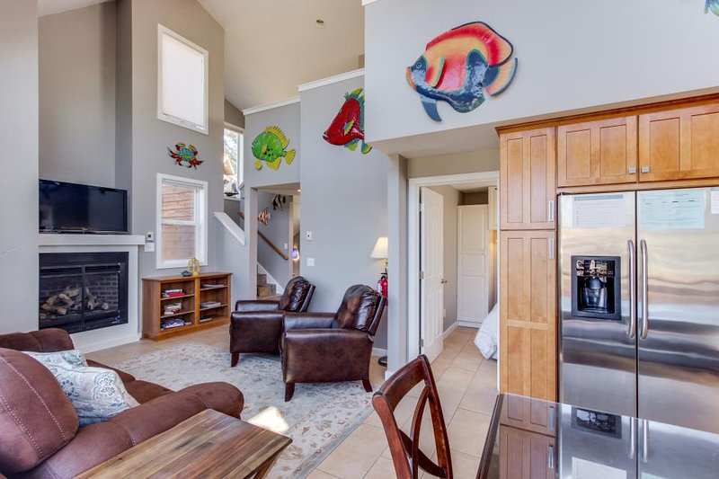 Dog-friendly, lakeview home loft, fireplace, & hot tub, room for 8 - paradise! - Image 1 - Manzanita - rentals