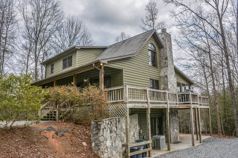 MY MOUNTAIN ESCAPE- 3BR/3BA- PRIVATE CABIN ON 2.5 ACRES SLEEPS 12, WIFI, JETTED - Image 1 - Morganton - rentals