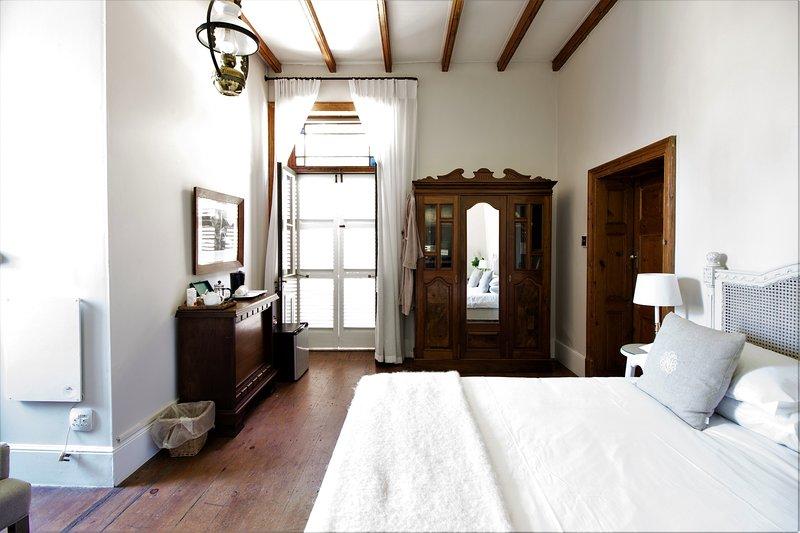 Superior  Room 1 - Image 1 - George - rentals