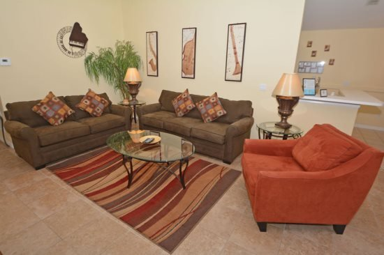 3 Bedroom 2 Bath Pool Home with Golf Course View. 124DS - Image 1 - Davenport - rentals