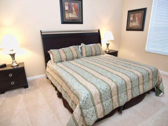 Gorgeous 2 Bedroom 2 Bath Ground Floor Executive Condo. 5036SL-105 - Image 1 - Orlando - rentals