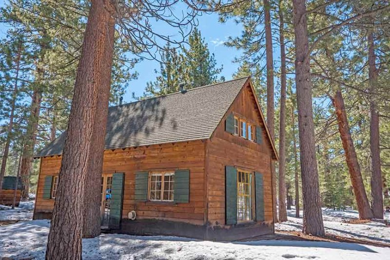 Exterior Winter - 3901 Azure Avenue - South Lake Tahoe - rentals