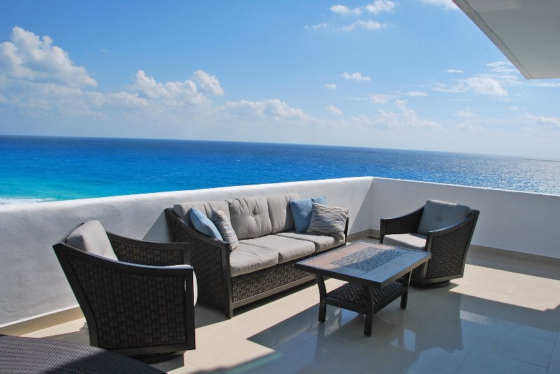 Penthouse #372 is located directly on the beach and faces straight out to the ocean. - Penthouse #372 - Cancun - rentals