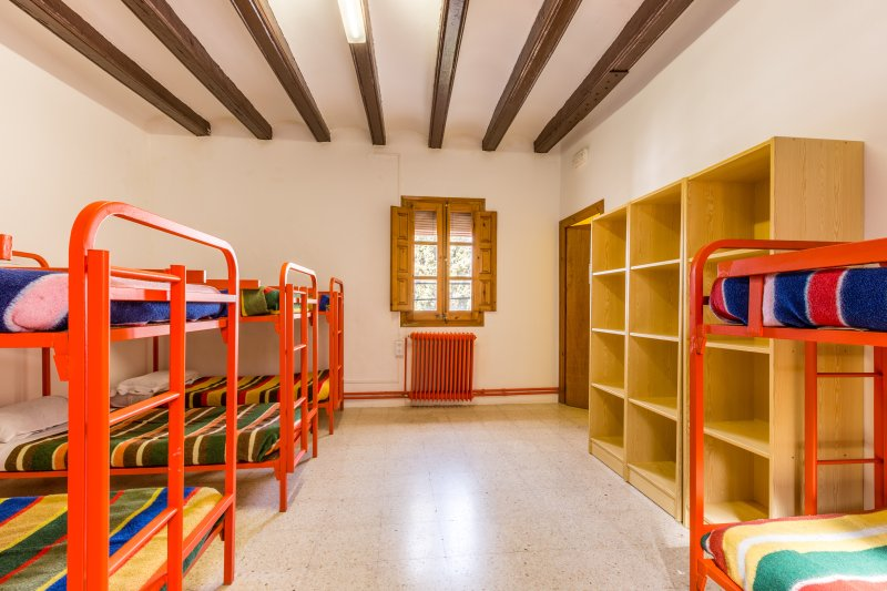 Alberg de Talarn - Argenteria - Group Room (10 adults) - Image 1 - Talarn - rentals