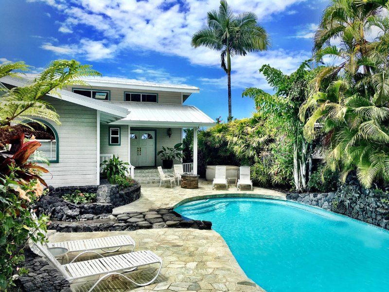 Mahuahua Place - 5 Bedroom 3 Bath with great ocean views and pool at Mahuahua Place-PHMahua - Kailua-Kona - rentals