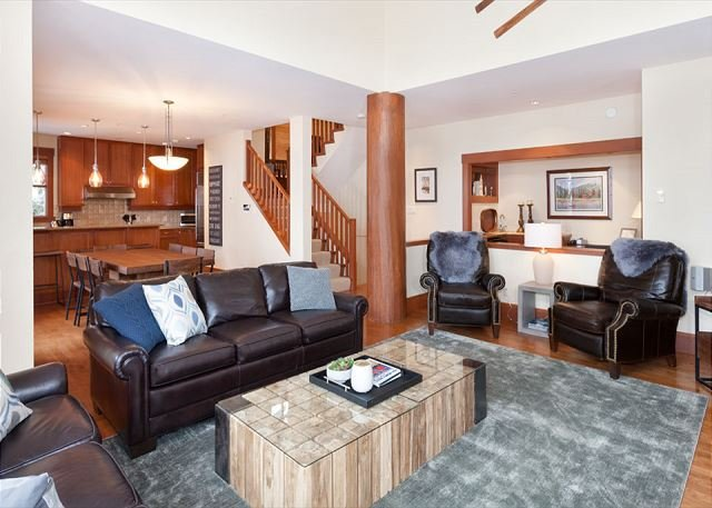 Taluswood Heights #6 | 4 Bed Ski-in-Ski-out Private Hot Tub - Image 1 - Whistler - rentals