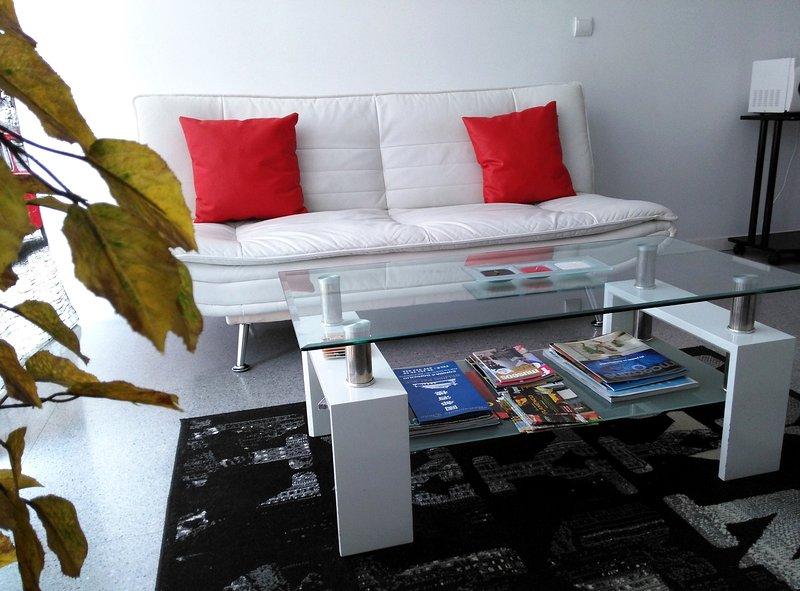 Apartments In Valencia. Ideal hasta tres personas - Image 1 - Valencia - rentals