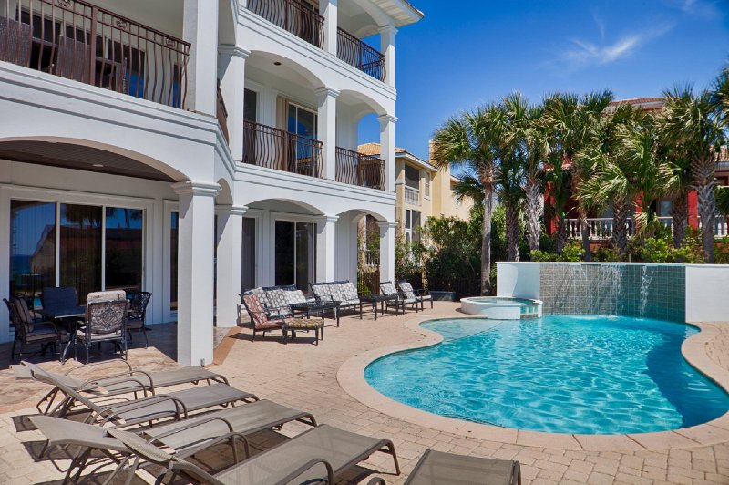 Welcome to Over The Top. Newly Renovated with Private Pool and Out Door Kitchen Area - 20% OFF Over The Top In March: Gulf View, Pool/Hot Tub, Game Room, Elevator! - Destin - rentals