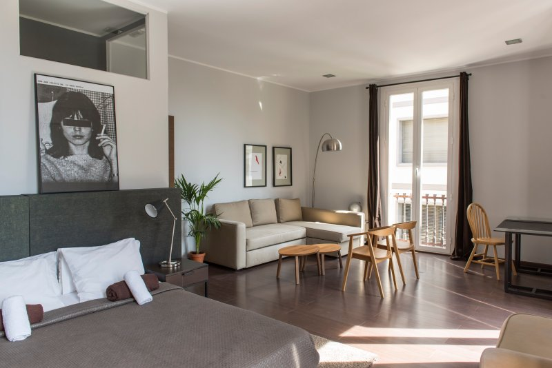 Top Floor Penthouse Suite cv4 - Image 1 - Barcelona - rentals