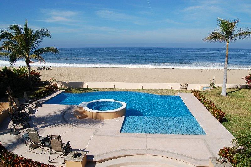Ocean view, beachfront pool terrace - Villa del Tigre - Beachfront! - San Pancho - San Pancho - rentals