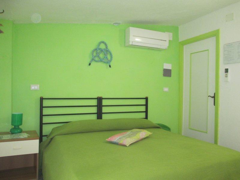 Libeccio room - Vento di Mare - Riomaggiore - rentals
