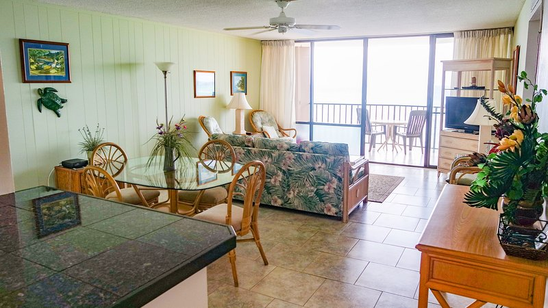 OCEANFRONT 2 BEDROOM 708 AT VALLEY ISLE RESORT - Image 1 - Lahaina - rentals