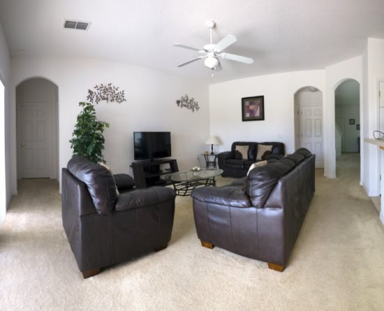 5 Bedroom 4 Bath Pool Home in Gated Community. 361BD - Image 1 - Davenport - rentals