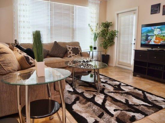 Bella Piazza 3 Bedroom 3 Bath Condo sleeps 8. 906CP-431 - Image 1 - Kissimmee - rentals