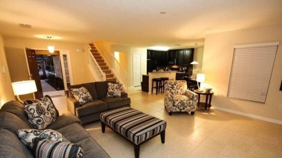 4 Bedroom 3.5 Bathroom Pool Home, Quiet Lot Next To Pond. 2668SC - Image 1 - Orlando - rentals