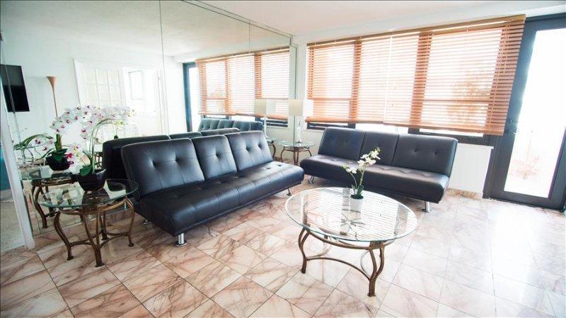 Oceanfront Resort Signature Two Bedroom 1410 1AX2ADAZ - Image 1 - Miami - rentals
