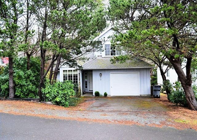 Street view of Gables House - GABLES~MCA# 574~Charming house in town  NOW has WIFI!! - Manzanita - rentals