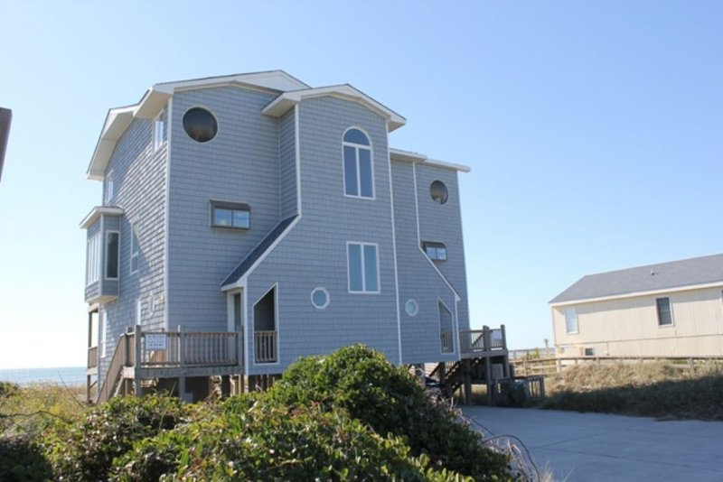 Exterior Streetfront -West - Hover Inn - Emerald Isle - rentals