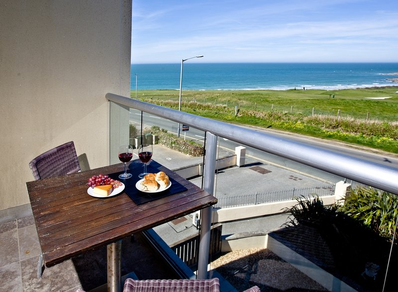5 The Vista located in Newquay, Cornwall - Image 1 - Newquay - rentals