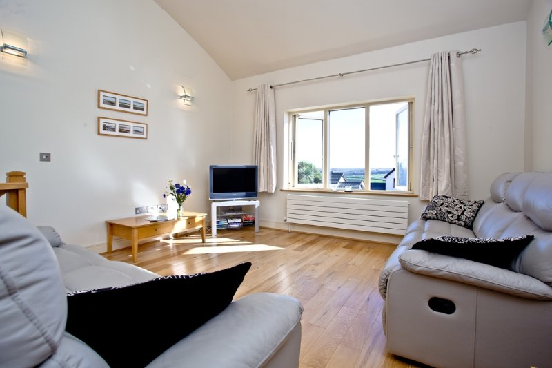 14 The Vista located in Newquay, Cornwall - Image 1 - Newquay - rentals