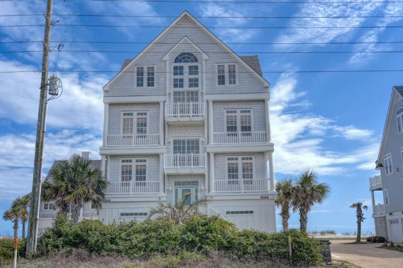 4166 Island Dr - Island Drive 4166 Oceanfront! | Internet, Community Pool, Hot Tub, Elevator - North Topsail Beach - rentals