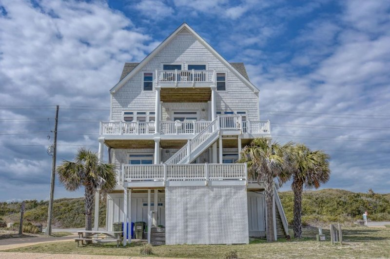 4166 Island Drive - Island Drive 4166 Oceanfront! | Internet, Community Pool, Hot Tub, Elevator - North Topsail Beach - rentals