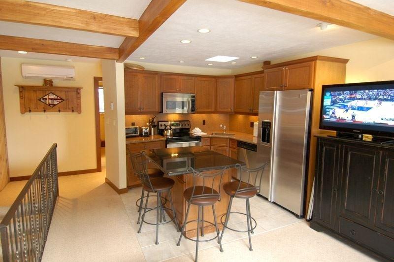 living_area_1.jpg - Aspen Townhouse East Unit 3 - Aspen - rentals