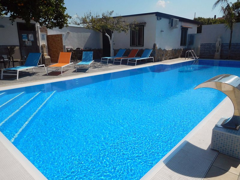Outdoor Pool with solarium - B&B near Ruins of Pompeii,Sorrento and Naples - Pompeii - rentals