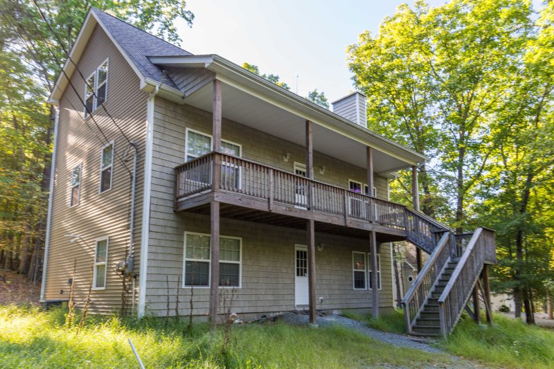 New Huge Beautiful Luxurious House - 3 floors - Image 1 - Lackawaxen - rentals