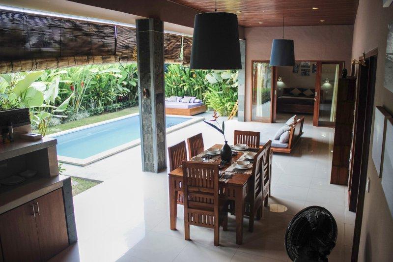 Luxury Villa Divinka, close to the beach, pool, garden - Image 1 - Canggu - rentals