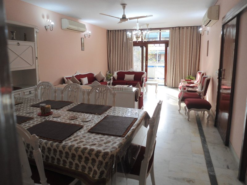 Drawing Room - 4 BHK with cook@ GK 2, South Delhi -Harmony Suites - New Delhi - rentals