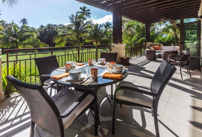Welcome to Villa Esmeralda! - Magnificent Villa Surrounded By Emerald Green - Rio Grande - rentals